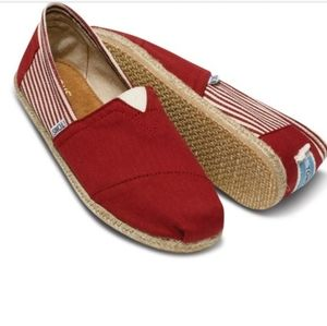 Classis Striped Red Tom's